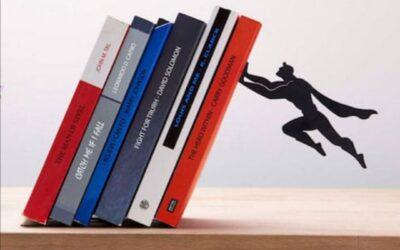 Sujetalibros muy originales para decorar tus estanterías